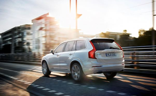 Volvo's XC90 400bhp, 59g/km CO2 full-size SUV hybrid miracle...