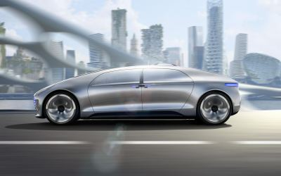 Autonomous driving in hydrogen-powered luxury, Mercedes-styl...