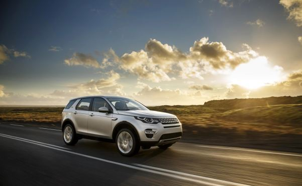Land Rover release new fuel-efficient Ingenium diesel engine