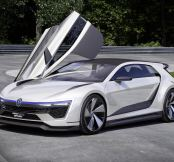 Hot 400bhp Golf GTE Hybrid offers 141mpg