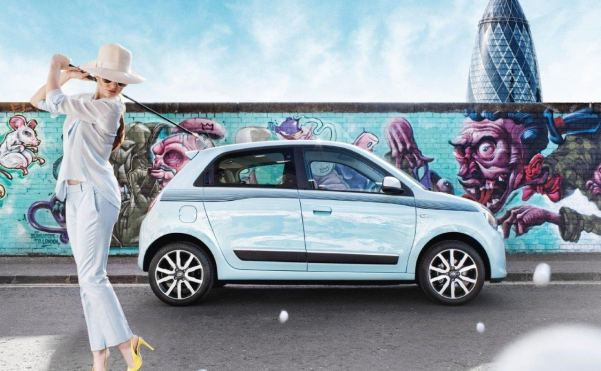 Renault's rear-engined, rear-drive Twingo ready to hit the c...