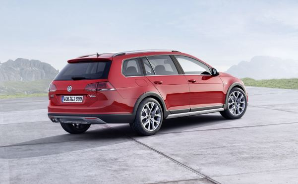 VW's Golf-in-welly-boots – the eco-friendly Alltrack - unvei...