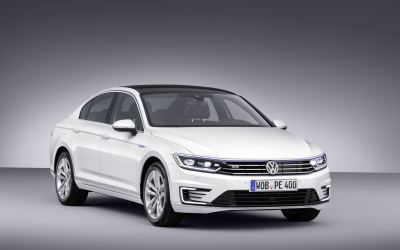 Volkswagen announces eco-busting plug-in hybrid Passat