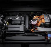 Volkswagen announces eco-busting plug-in hybrid Passat