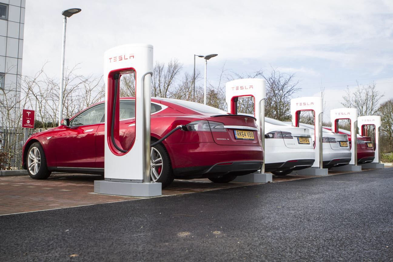 Car Dealers Glasgow >> Tesla opens 17th Supercharger in the UK