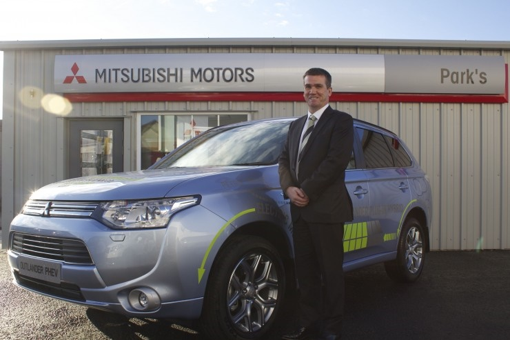 second hand Mitsubishi Outlander plug-in hybrid cars for sale uk
