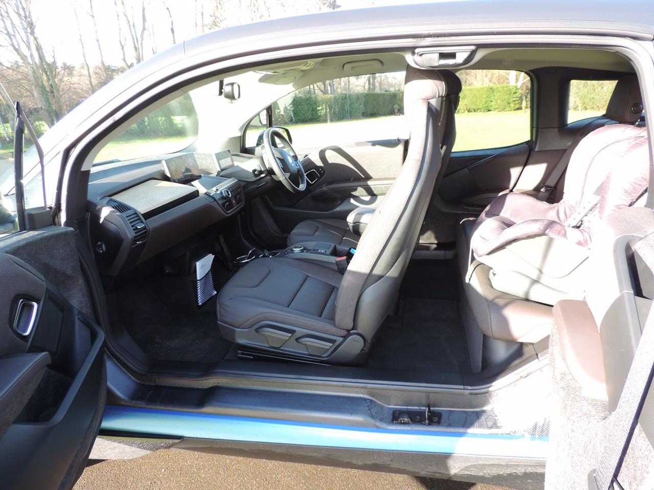 Car Battery Voltage >> BMW i3