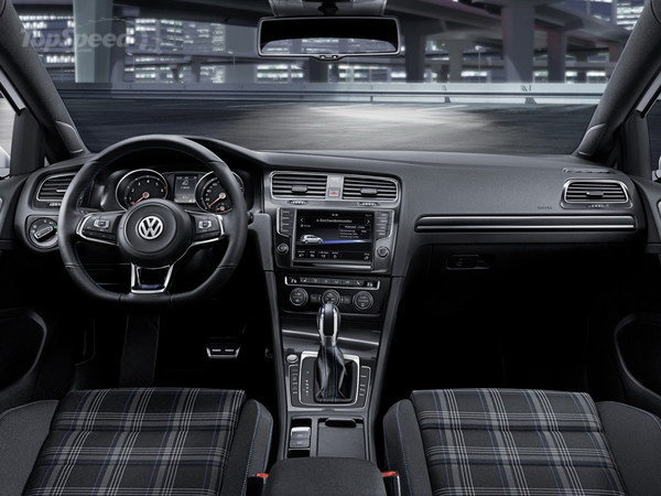 VW Golf GTE PHEV Interior